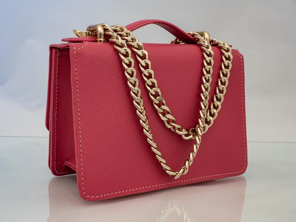 Bolso Messenger Pocket piel saffiano rosa cadena