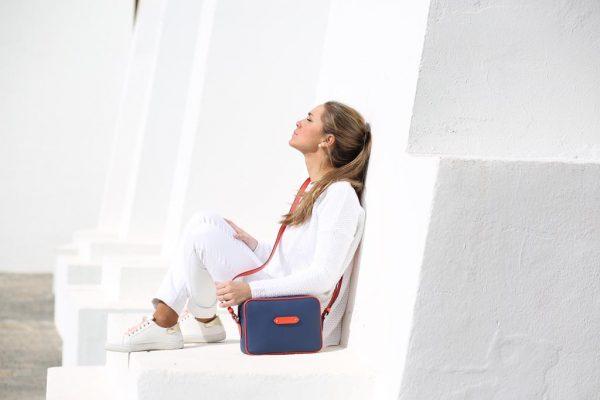Bolso Shoulder Bag lona y piel con modelo