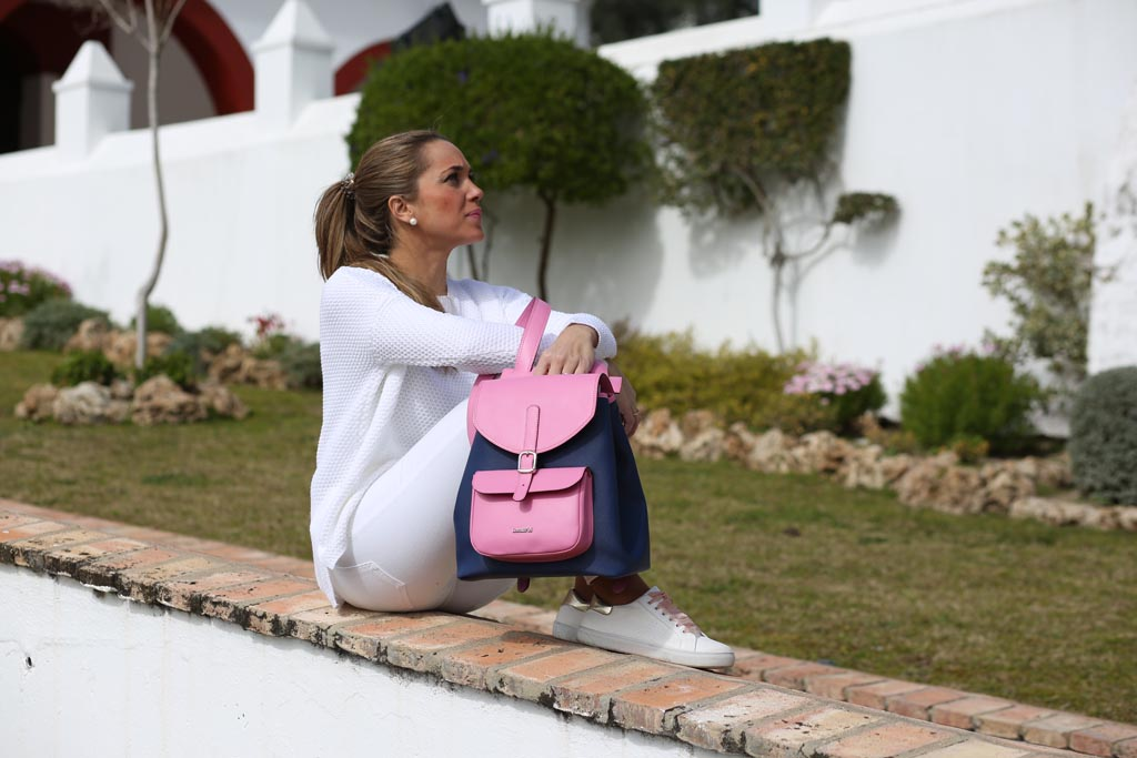 Mochila Back Pack lona y piel rosa con modelo